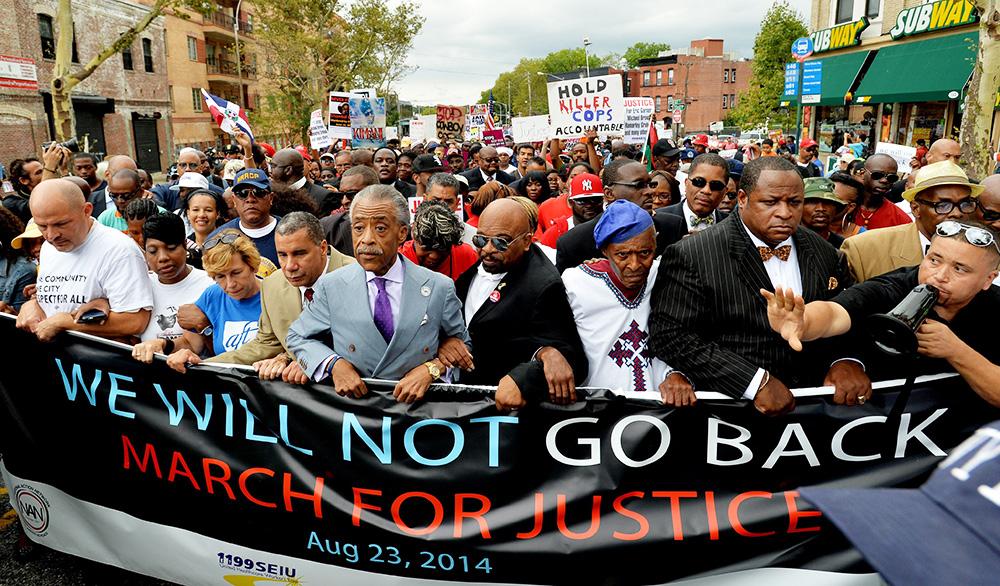 Марш против жестокости полиции в Нью-Йорке