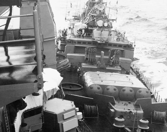 """Навал сторожевого корабля """"Беззаветный"""" на крейсер ВМС США """"Йорктаун"""""""