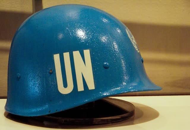 Каска миротворческих сил ООН