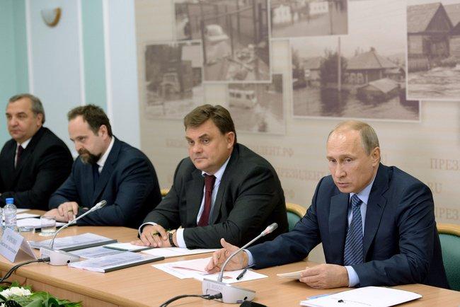 Владимир Путин на заседании в Республике Алтай