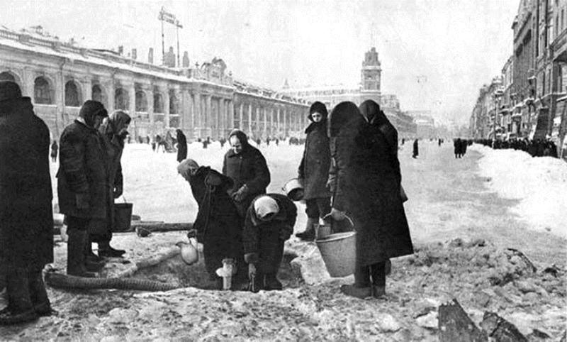 Жители Ленинграда во время блокады