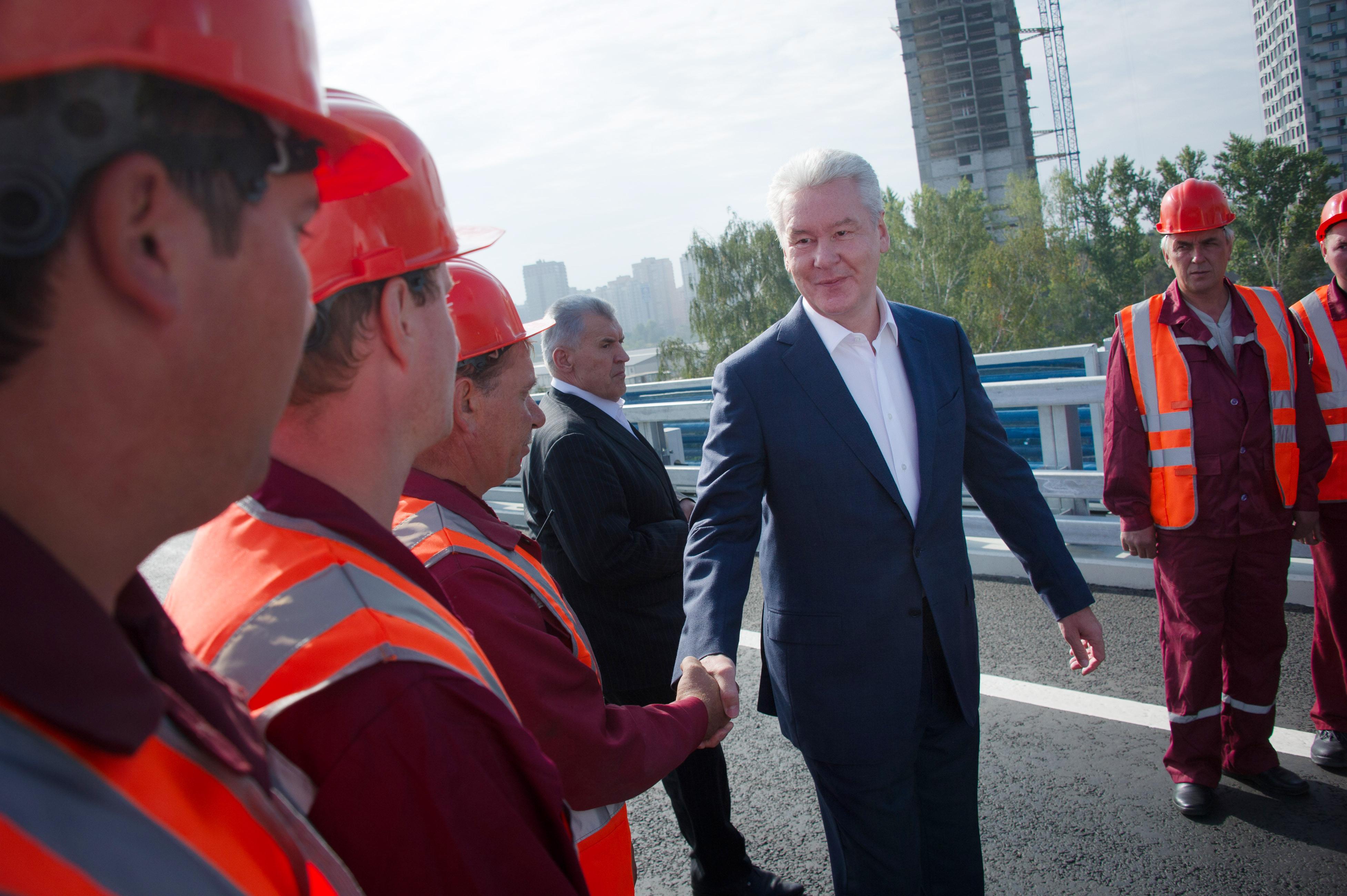 Мэр Москвы Сергей Собянин во время открытия движения по новой транспортной развязке