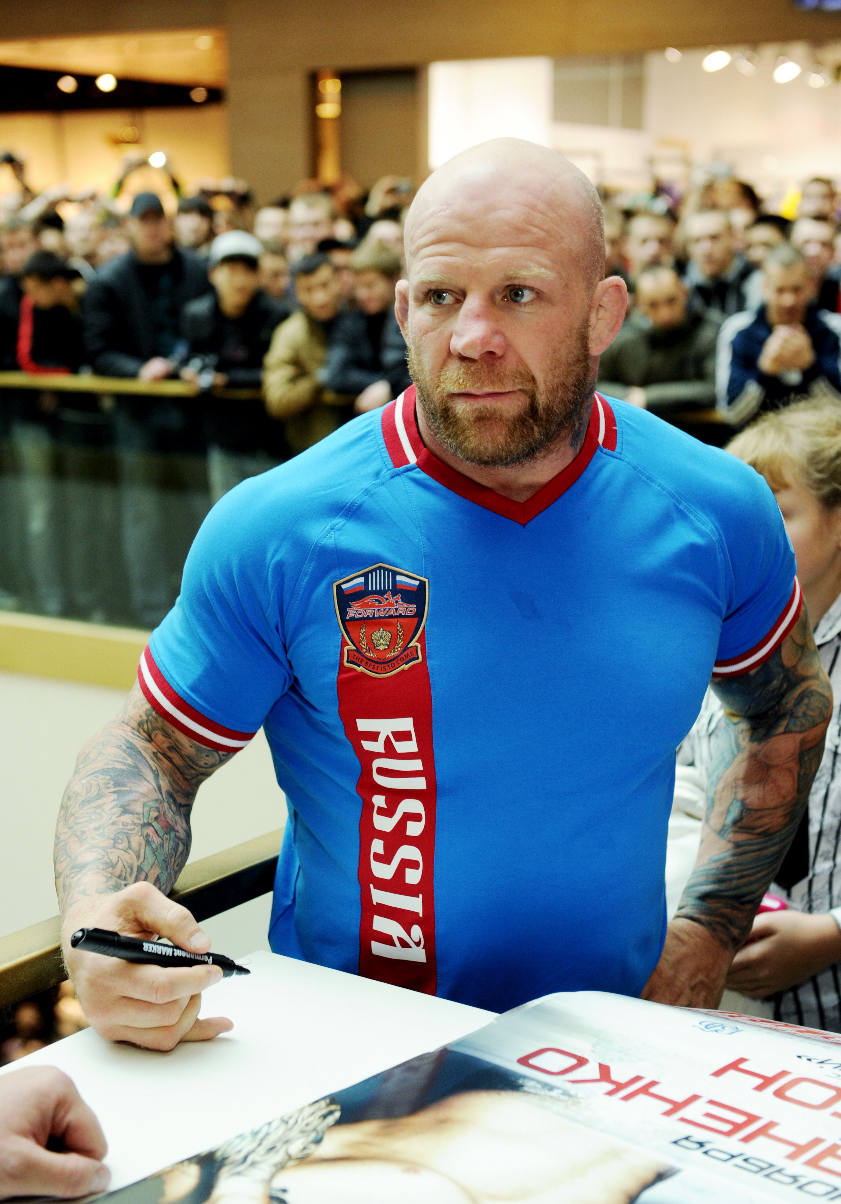 Американский боец смешанных единоборств Джефф Монсон едет в ЛНР