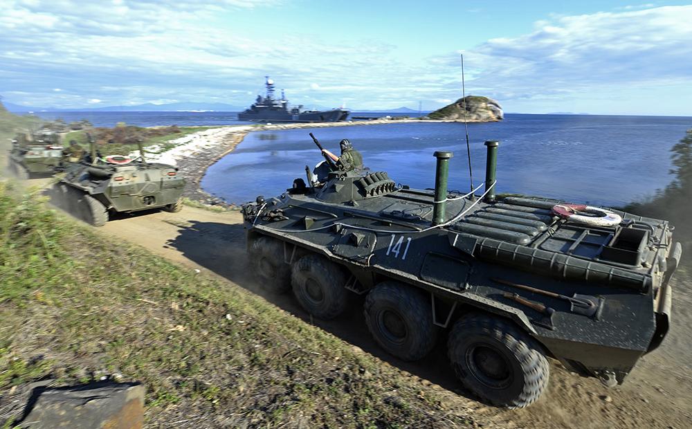 Колонна техники морской пехоты