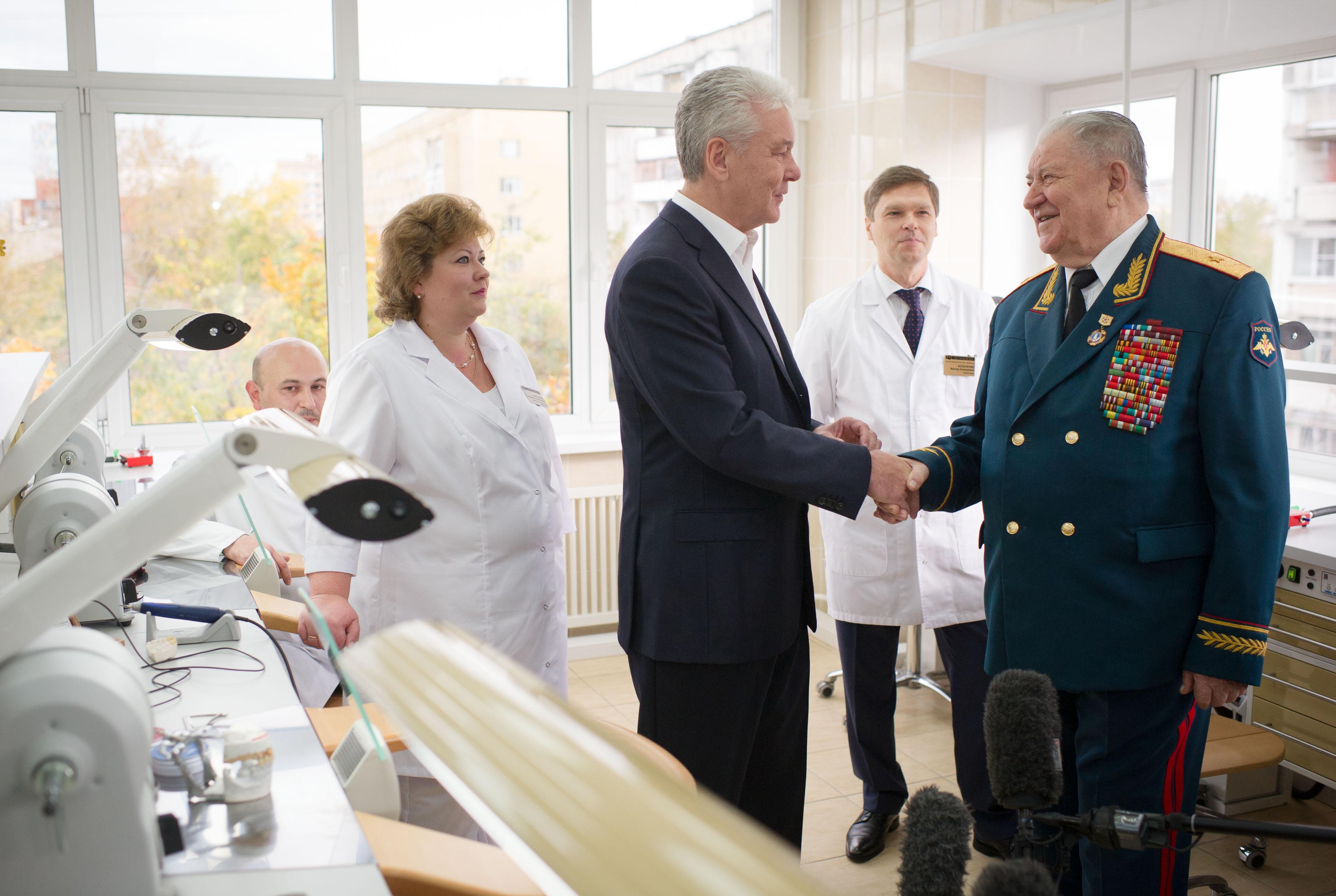 Сергей Собянин посетил обновлённый госпиталь челюстно-лицевой хирургии