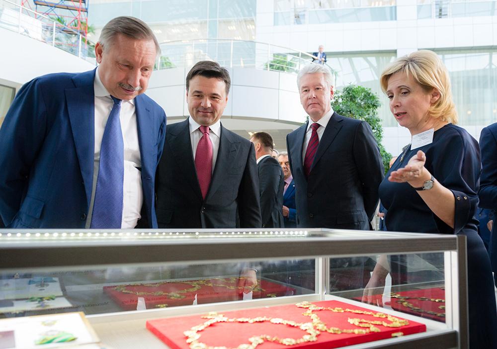 Губернатор Московской области Андрей Воробьев и мэр Москвы Сергей Собянин