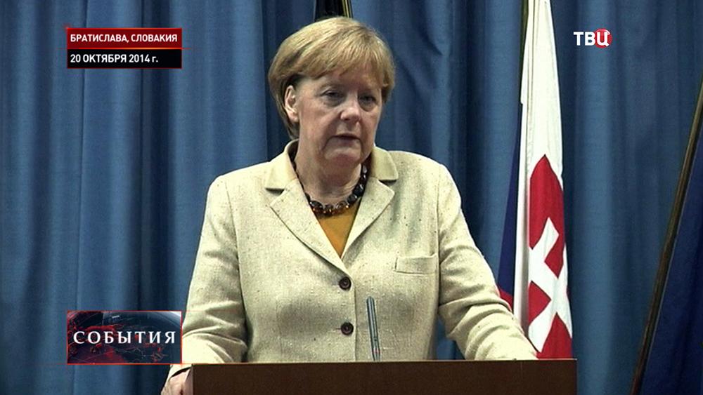 Федеральным канцлером Германии Ангелой Меркель в Словакии