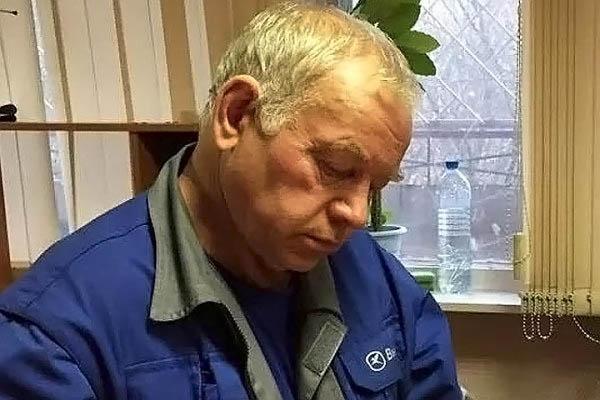 Водитель снегоуборочной машины во Внуково Владимир Мартыненко