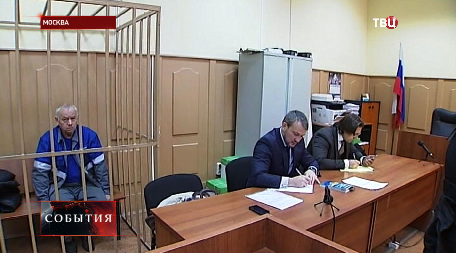 Водитель снегоуборочной машины Владимир Мартыненков  в зале суда