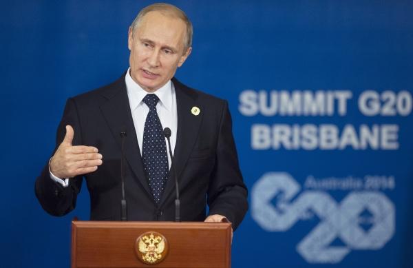 Президент России Владимир Путин во время пресс-конференции