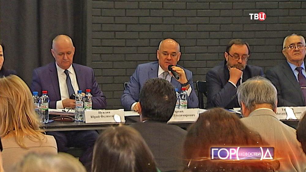 Заседание московского совета по делам национальностей