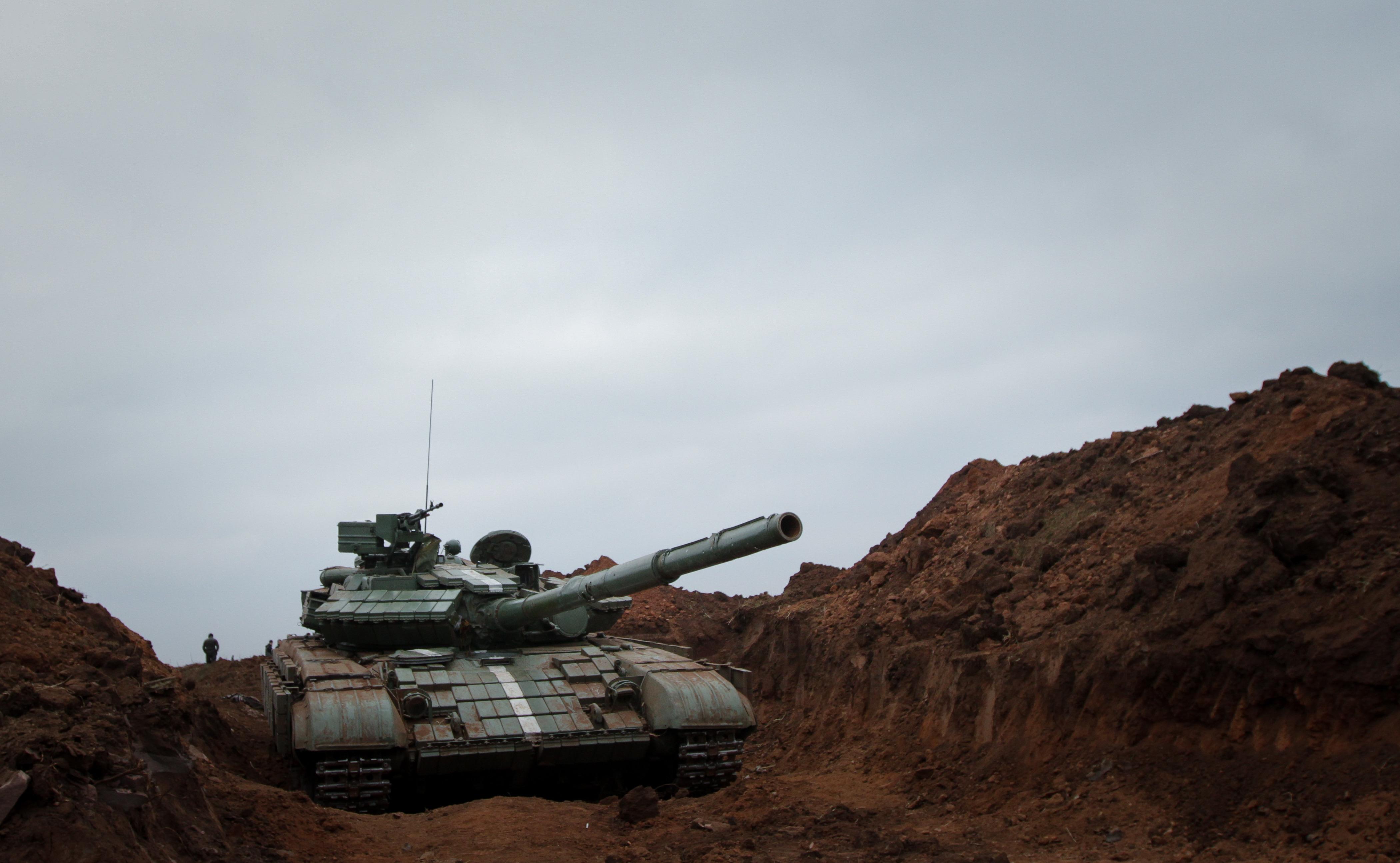 Танк украинских войск на позиции