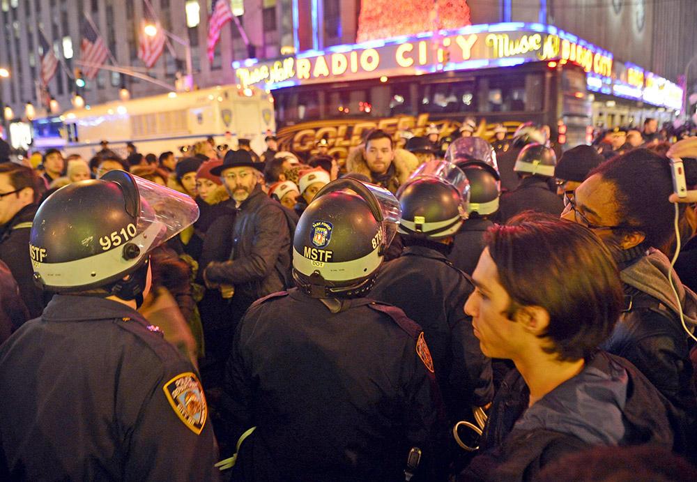 Полиция Нью-Йорка на митинге