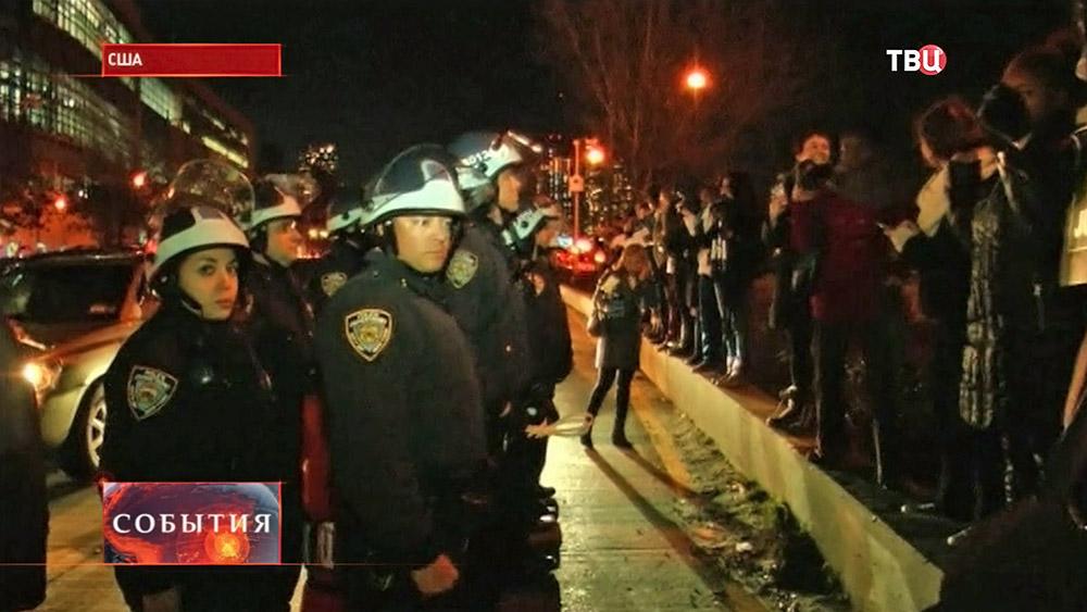 Полиция США на митинге