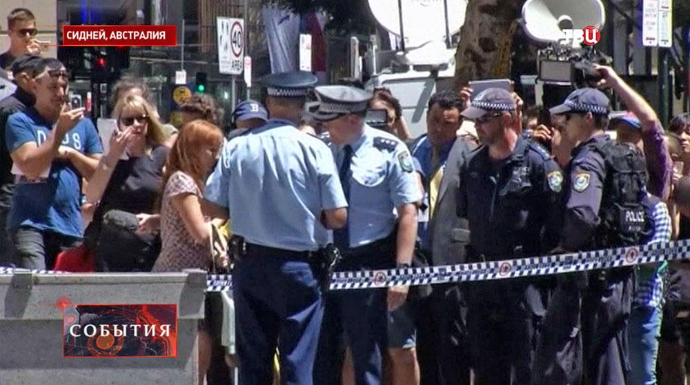 Полиция и пресса Сиднея на месте захвата заложников