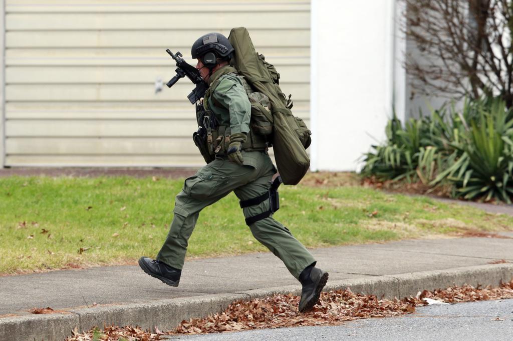 Американский полицейский во время спецоперации