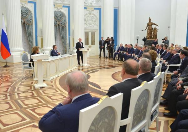 Владимир Путин на встрече с представителями Федерального Собрания
