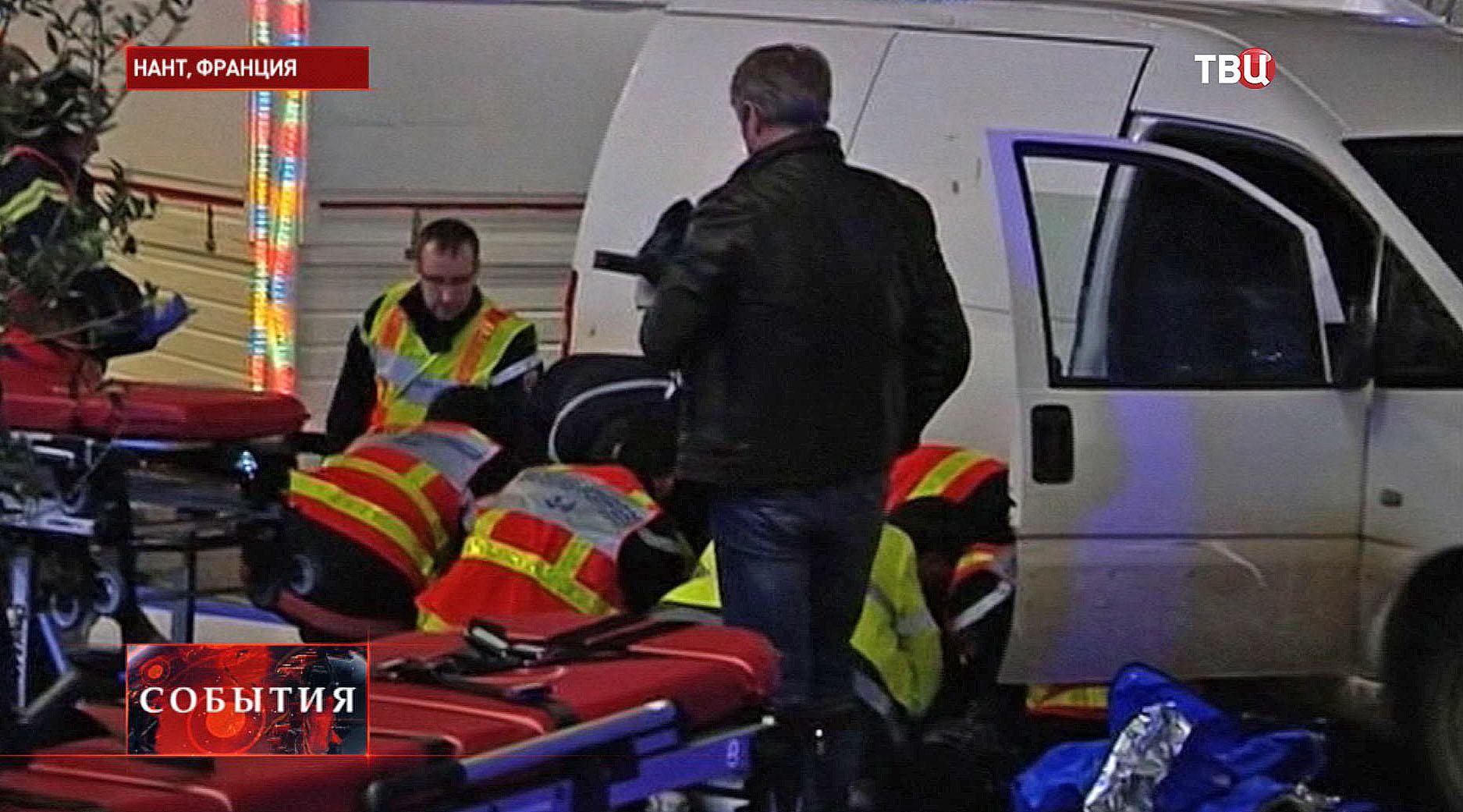 Скорая помощь на месте ДТП во Франции
