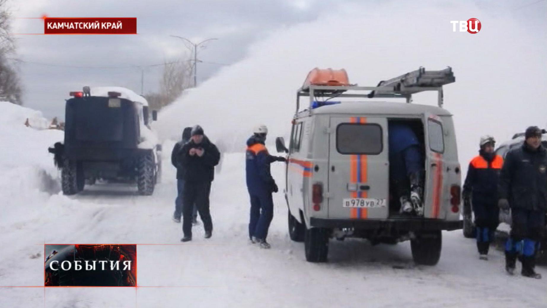 Ликвидация последствий снегопада на Камчатке