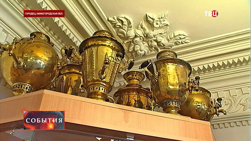 Экспозиция самоваров в музее в Городце