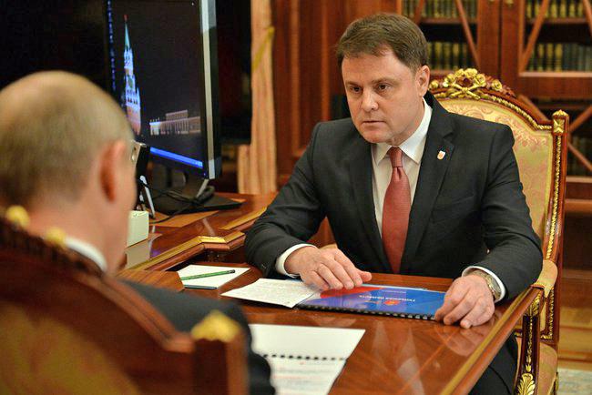 Губернатор Тульской области Владимир Груздев на встрече с президентом России Владимиром Путиным