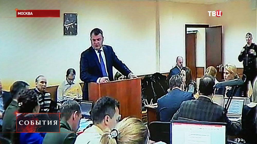 Бывший министр обороны Анатолий Сердюков в суде