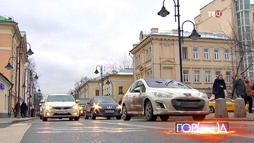 Дорожное движение на улицах Москвы