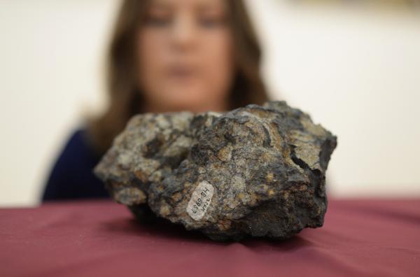 Осколок знаменитого челябинского метеорита