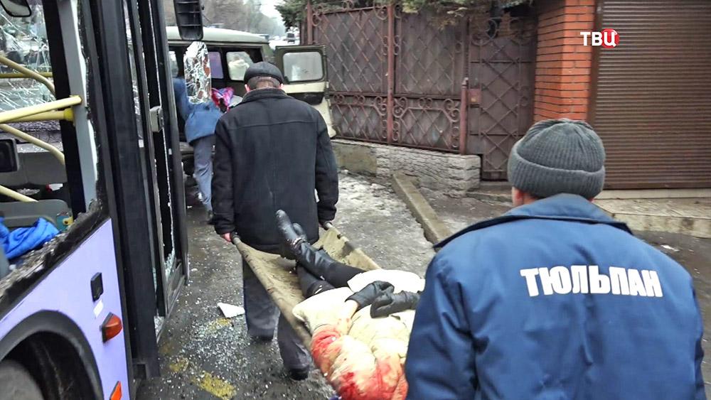 Погибший при обстреле троллейбуса в Донецке