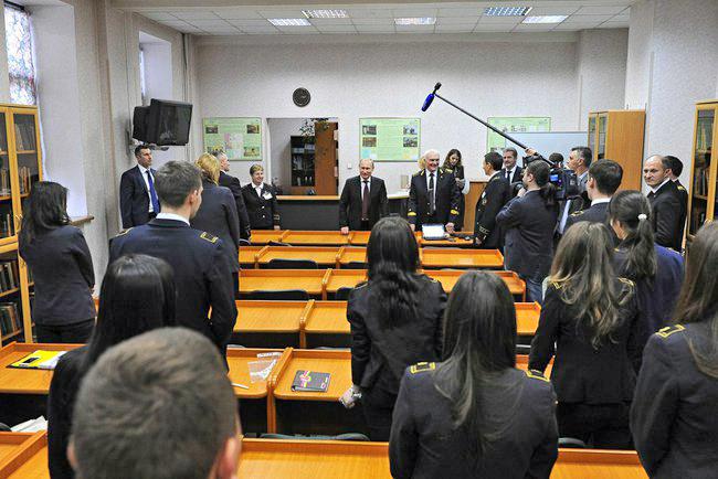 Владимир Путин на встрече со студентами Горного университета в Санкт-Петербурге