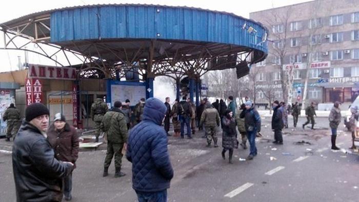 Обстрел автобусной станции в Донецке