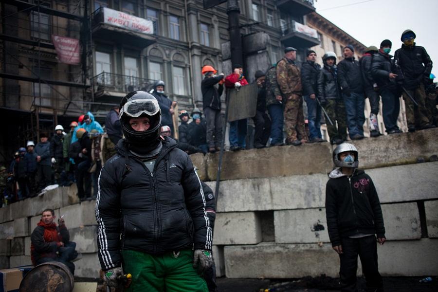 Участники антиправительственных выступлений на Майдане