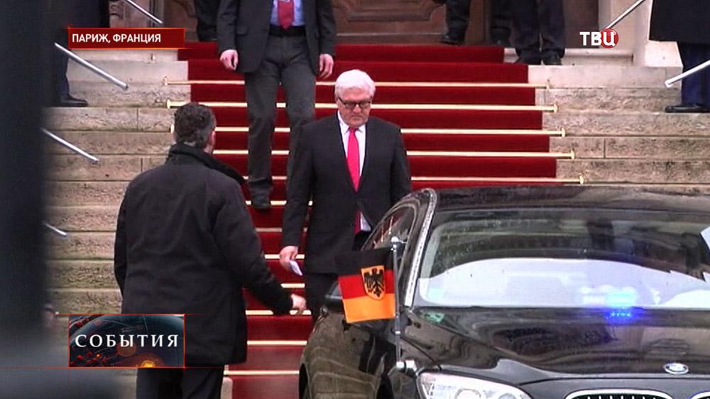 Министр иностранных дел Германии Франк-Вальтер Штайнмайер и главы МИД из Франции, Лоран Фабиус, России, Сергей Лавров, и Украины, Павел Климкин