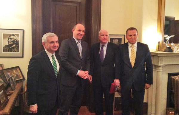 Вице-спикер Рады Андрей Парубий и американский сенатор Джон Маккейн
