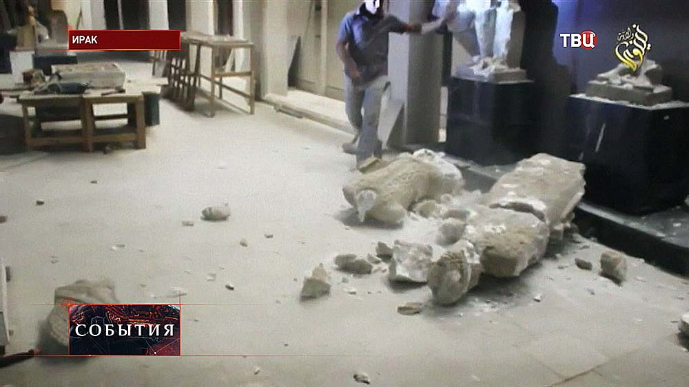 Боевики уничтожают памятники в Мосуле