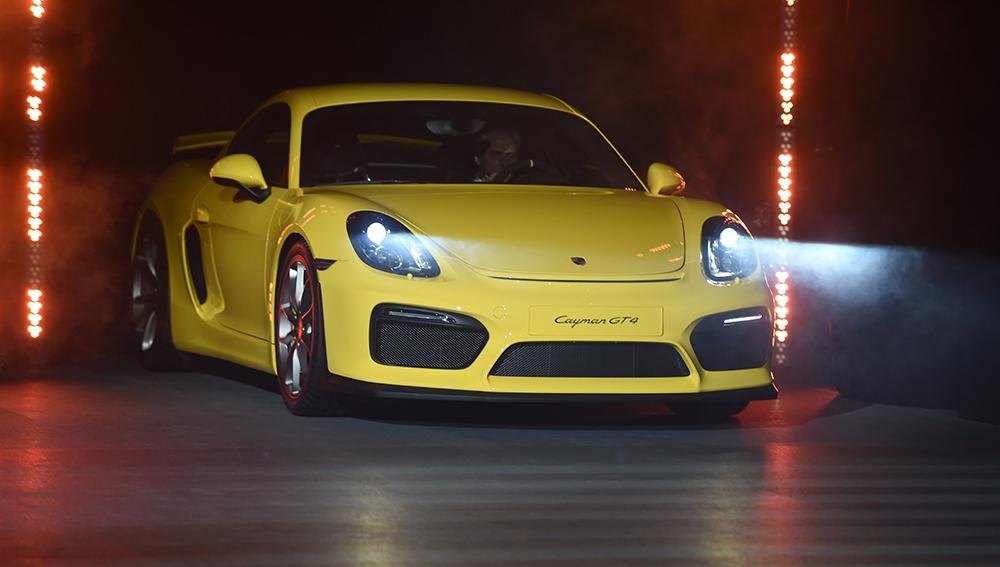 Porsche Cayman GT 4