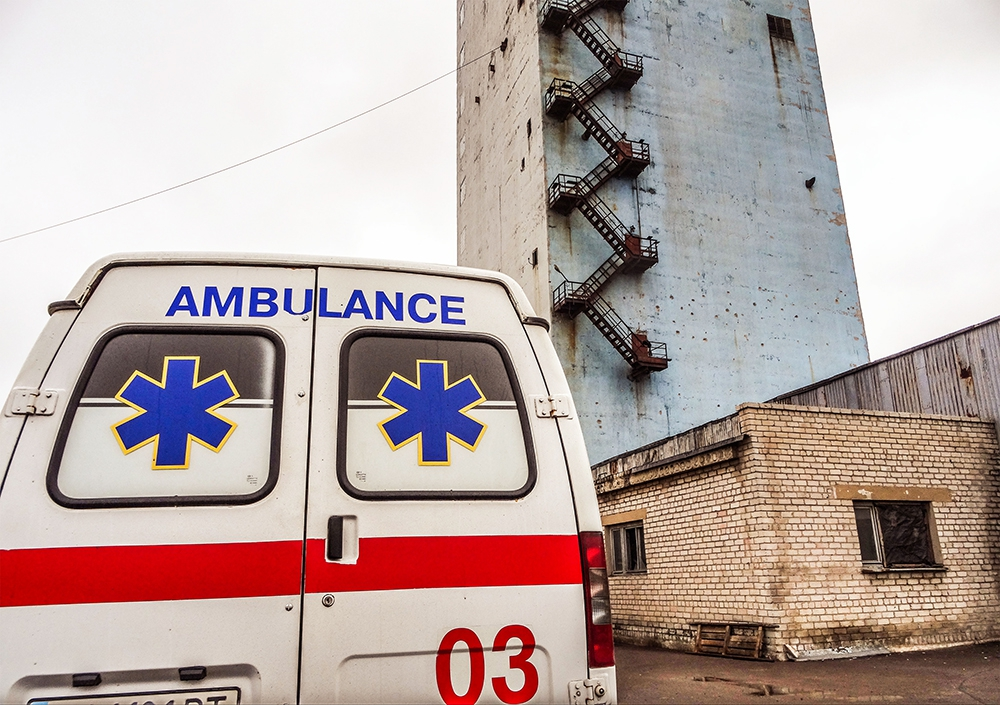 Машина скорой помощи на Украине