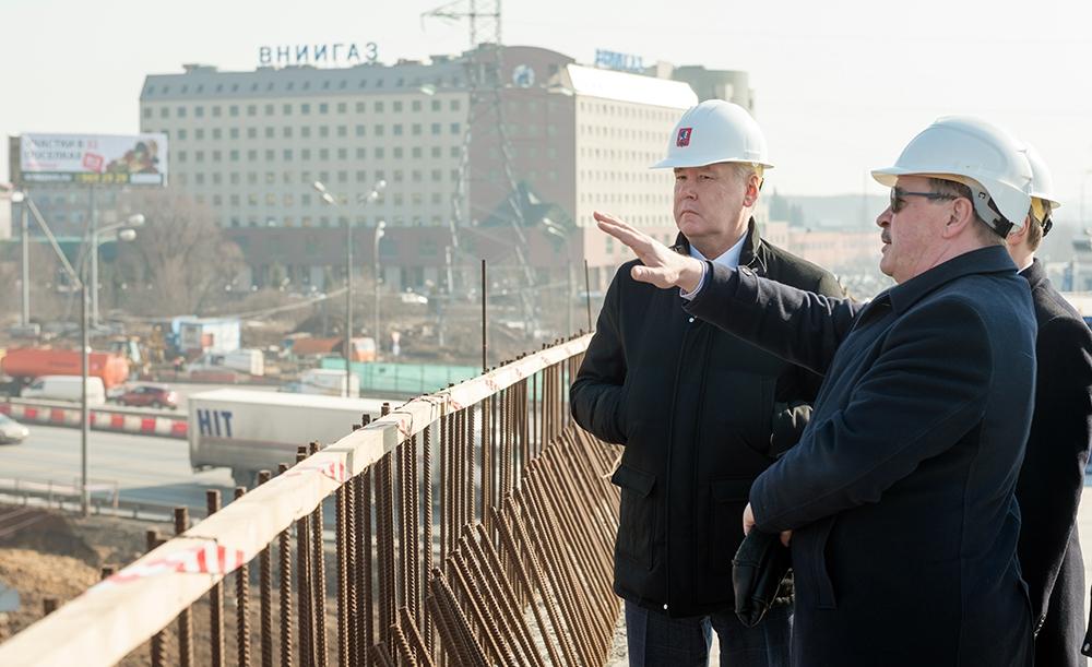 Сергей Собянин ознакомился с этапом реконструкции развязки МКАД