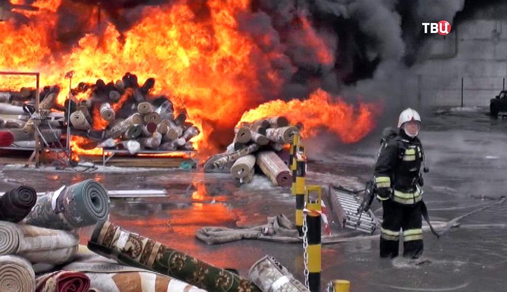 Пожар в ТЦ в Казани: пострадавших уже больше 30