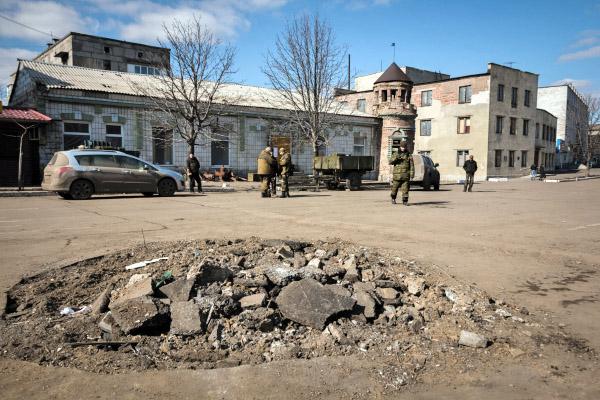 Ополченцы Донецкой народной республики в городе Дебальцево