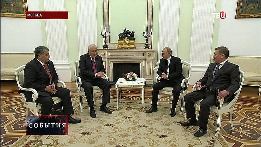 Владимир Путин на заседании развитий отношений