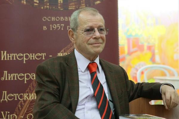 Писатель Аркадий Арканов
