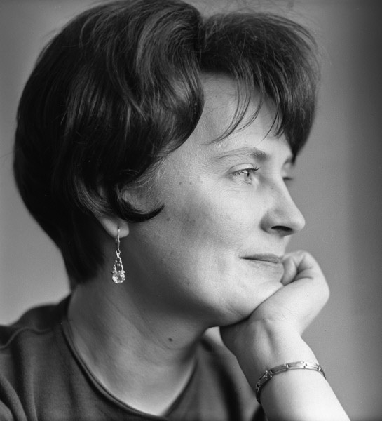 Заслуженная артистка РСФСР, певица Нина Исакова
