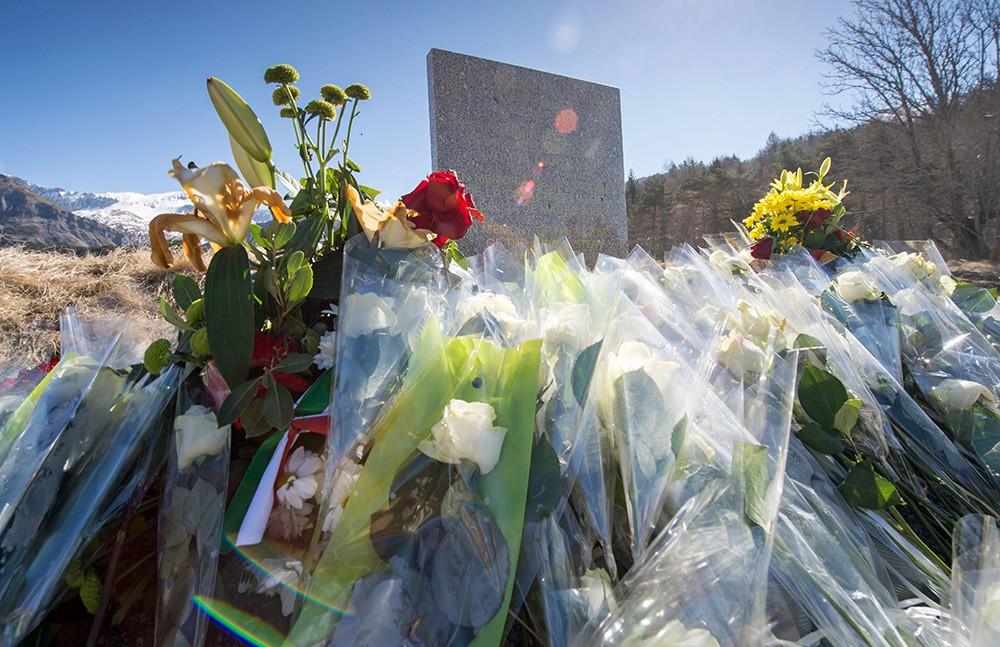 Мемориал на месте крушения Airbus A320 авиакомпании Germanwings во Франции