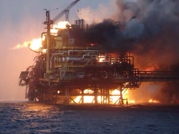 Взрыв на нефтяной платформе у берегов Мексики
