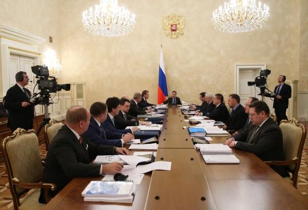 Председатель правительства РФ Дмитрий Медведев проводит заседание наблюдательного совета Внешэкономбанка