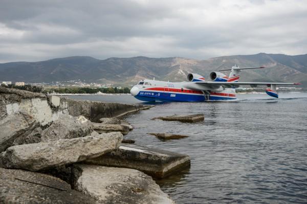 Многоцелевой самолет-амфибия Бе-200