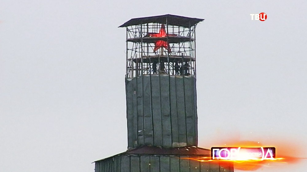 Демонтаж строительных конструкций на Спасской башне
