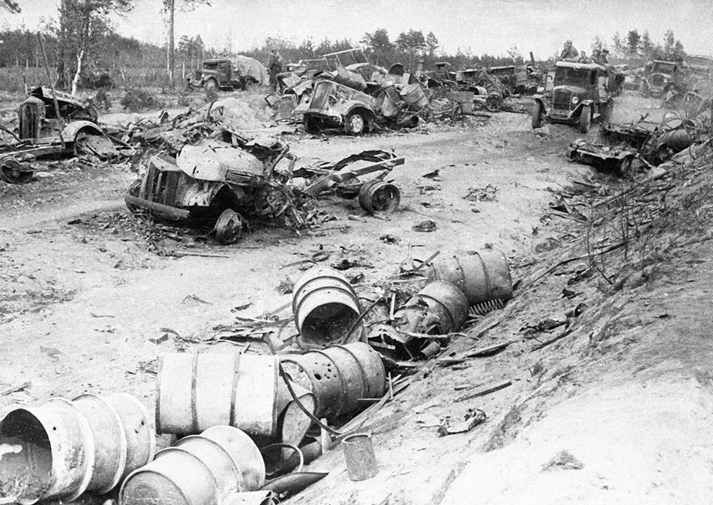 Разбитая немецкая техника под Минском