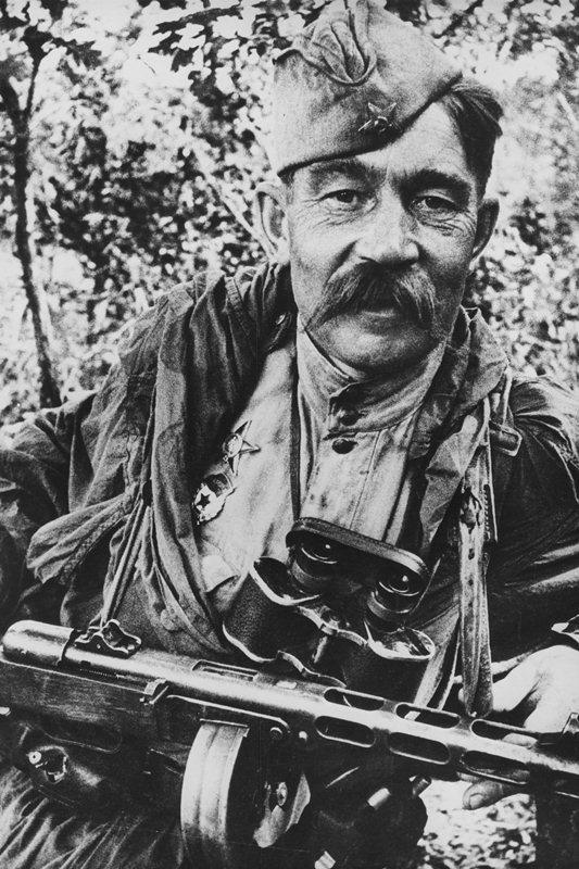 Красноармеец под Курском, 1943 год